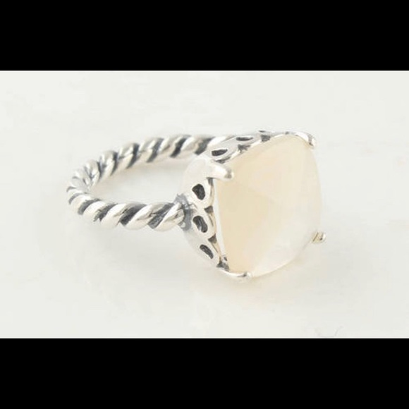 Pandora •Mother of Pearl• ring size 56